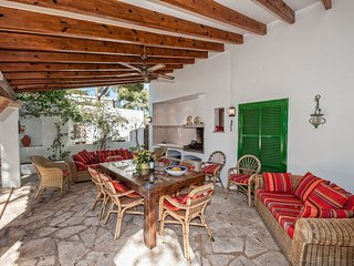 Wonderful 4 Bed Villa With Private Pool In Cala D'Or Centre 5 Mins Walk to Beach