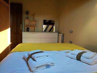 INSIDEHOME: Atico Abuhardillado con 2 habitaciones a 1 minuto de la Plaza Espana