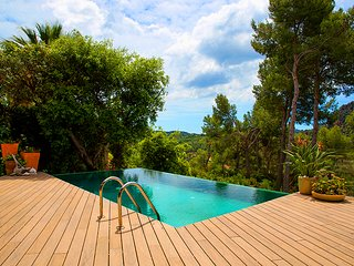 Catalunya Casas: Modern villa with mountain views & pool. Up to 6 guests - 30min