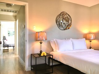 The HOME AWAY FROM HOME, 100% newly renovated, free parking, Wifi, close to SFO