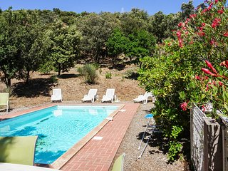 Amazing home in Pierrerue w/ Outdoor swimming pool, WiFi and 3 Bedrooms (FLH347)
