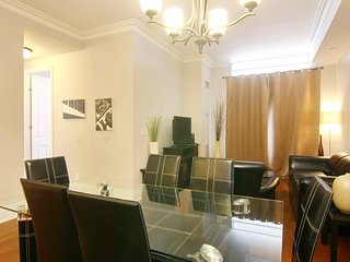 Executive Rental 2 Bedroom + Den in Ovation Towers