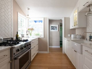 Charming, Sunny 3edroom Home 30 Mins from San Francisco - Family Luxury!