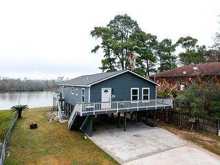 NEW! San Jacinto River Home w/ Private Boat Slip!