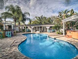 NEW! Private Home w/ Outdoor Tiki Bar + Hot Tub!
