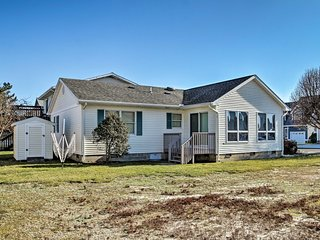 Ocean City Family Home - 1 Mile to Maryland Beach!