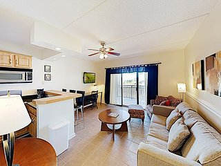 Downtown Riverfront Condo with Balcony & Water Views | Walk to Shops & Dining