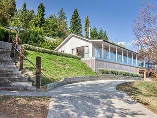 Oregon Scenic Retreat - Hanmer Springs Holiday Home, Abel Tasman National Park
