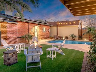 Coronado Oasis w/ Casita, Pool, Hot Tub & Firepit - Near Downtown & Airport