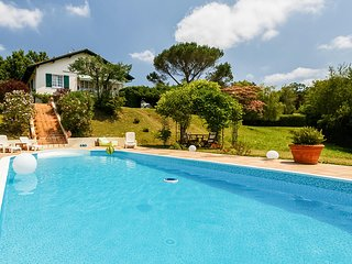 Beautiful home in Salies de Béarn w/ Outdoor swimming pool, WiFi and Outdoor sw