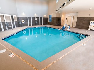 5 Minutes from North Idaho College | Indoor Pool + Hot Tub + Free Breakfast