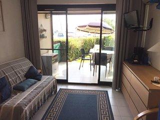 Confortable appartement en bord de mer, vue sur le golfe de Saint Tropez.