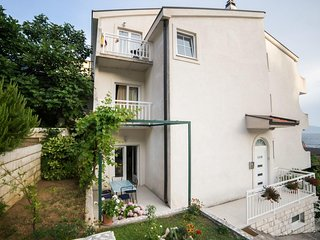Two bedroom apartment Brist (Makarska) (A-18096-b)