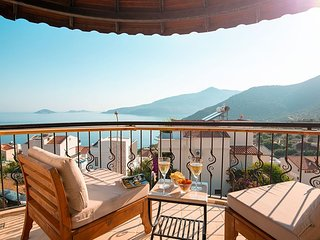 Meltem Topaz Apt - 2 bedroom apartment with stunning sea and mountain views