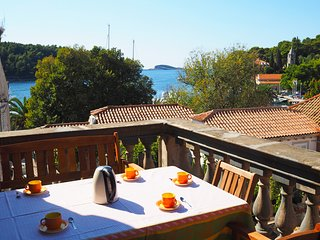 Apartment Mengula - Two Bedroom Apartment with Terrace and Sea View