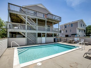 Sea Glass | 1499 ft from the beach | Private Pool, Hot Tub | Duck