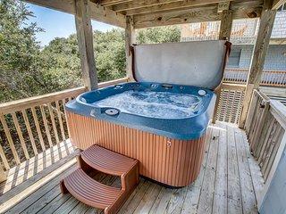 Dreamweaver   431 ft from the beach   Dog Friendly, Hot Tub, Community Pool   Co