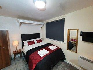 St. Luke's Bradford Apartments - Double Room