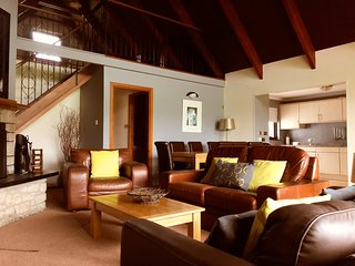 No. 5, 4 Bedroom Holiday Home, with Leisure Club Access