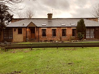 Wood Cutters Cottage, Kilconquhar Castle Estate, with Leisure Club Access