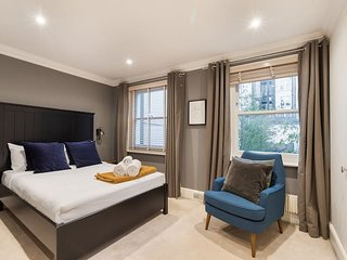 2101.RUTLAND 2 IN THE HEART OF KNIGHTSBRIDGE STEPS FROM HYDE PARK– 2BR MEW HOUSE