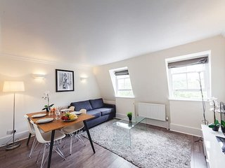 2136. HEART OF LONDON - COSY 1BR ON NEW OXFORD STREET - CLOSE TO EVERYTHING!