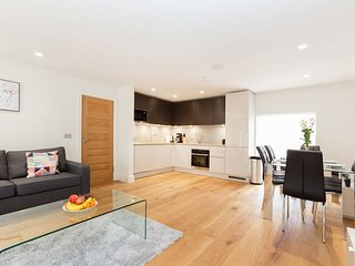 Fitzrovia Lovely 2BR Flat In the Heart London