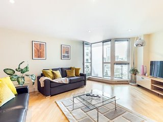 2157. RIVERSIDE APARTMENT WITH AMAZING VIEWS OF THE THAMES -SUPER CENTRAL LONDON