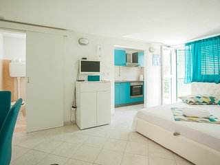 Charming ❤ little studio, balcony, kitchen, Trogir(Ana)