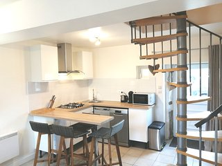LE JARRIER APARTMENT ALPES MANCELLES  Sleeps 4, Kitchenette, Free WIFI & Parking