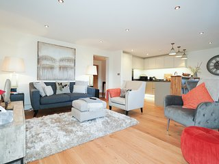 Luxury Hillside Apartment, sleeps 4, Great Malvern Centre