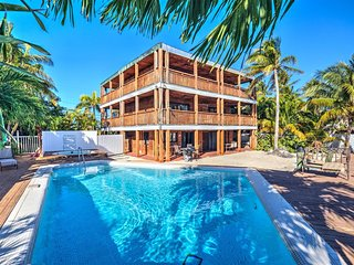One Reel Ocean View 4 Bed/4.5 Bath With Private pool, hot tub and dockage