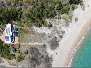 The Beach House at Arthur Bay