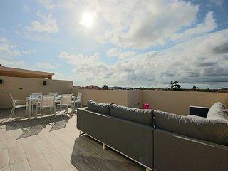 GOLD COAST ARUBA - Two-bedroom townhome - GC194J - MALMOK BEACH