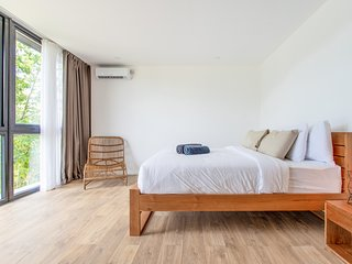 Brand new modern Villa Mola 1 Left, Bingin