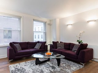 2122. HEART OF LONDON BY PICCADILLY CIRCUS -SPACIOUS 3BR FLAT