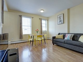 Remodeled 1 Bedroom Apartment
