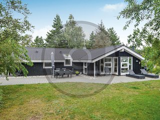 Beautiful home in Blåvand w/ Sauna, WiFi and 4 Bedrooms (P32958)