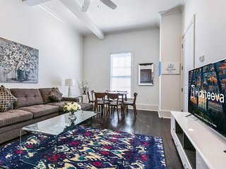 Hosteeva 1BR Condo Blocks to Bourbon St & French Quarter