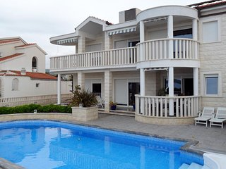 Rogoznica Apartment Sleeps 4 with Pool and Air Con - 5467388
