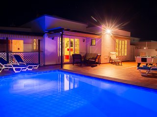 Luxury 3 Bedroom Villa with Heated Pool, Hot Tub and Pool Table