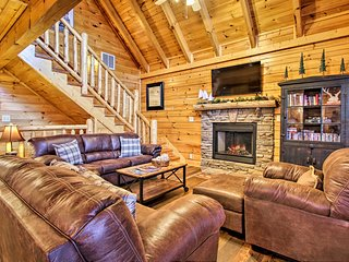 Remodeled Sevierville Cabin w/Hot Tub & Game Room!