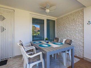 Vantacici Apartment Sleeps 4 with Air Con and WiFi - 5464265