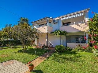 Vantacici Apartment Sleeps 4 with Air Con and WiFi - 5464256