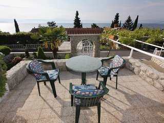 Njivice Apartment Sleeps 4 with Air Con - 5464209