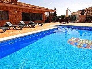 Vallcanera Villa Sleeps 6 with Pool Air Con and WiFi - 5828342