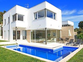 Calonge Villa Sleeps 6 with Pool Air Con and Free WiFi - 5508950