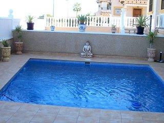 Villa jade, Villamartin, 2 Bed house with pool, TV, wifi