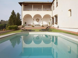 Tavernelle in Val di Pesa Villa Sleeps 15 with Pool and WiFi - 5226634