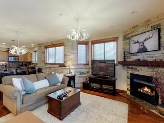 NEW LISTING! Happy Valley ground floor ski-in/ski-out condo with private hot tub